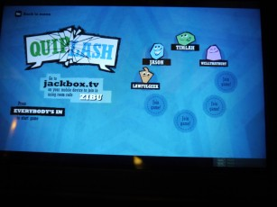 Late night Quiplash - The whole room was filled and there were audience too!