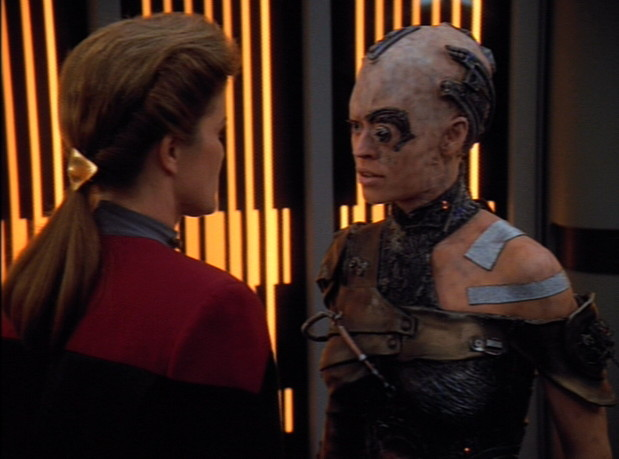 seven_of_nine_confronts_janeway