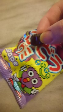 Gummy grape sweets - Yum!